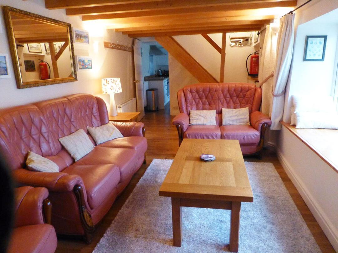 Lounge-02-1080x810